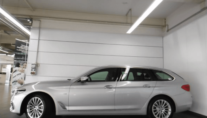 BMW 530i xDrive Touring vorne